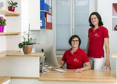 Bei Ihrer Anmeldung werden Sie empfangen von: Eva Antensteiner und Karin Kniewasser.
